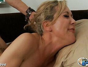 Big assed Brandi Love to ride mamba black girl with huge cock