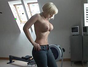 Workout MILF seduction